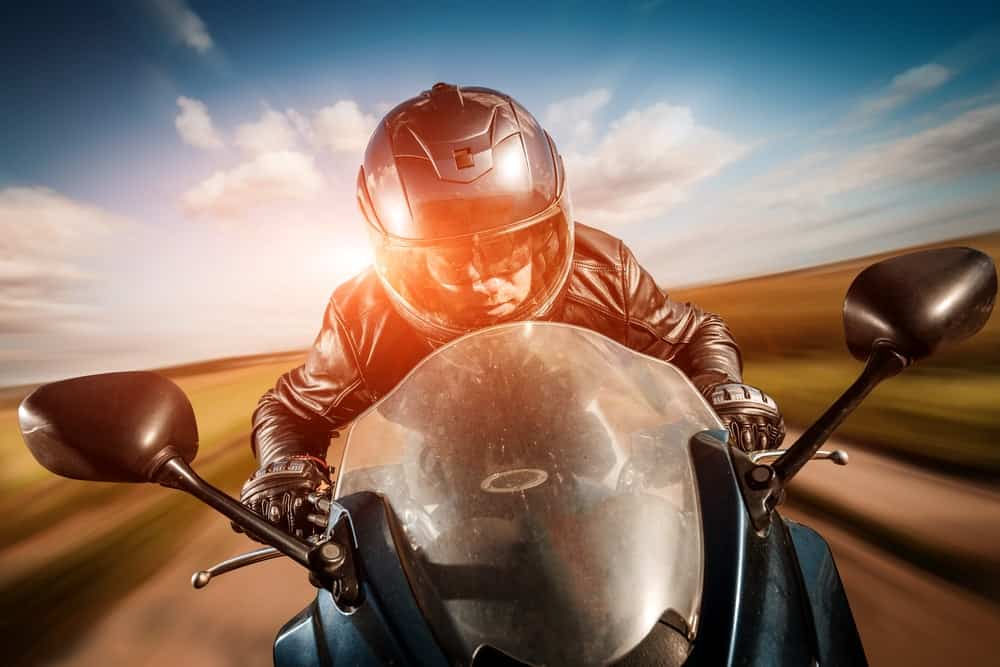 how to make a motorcycle helmet quieter (9 easy tips)