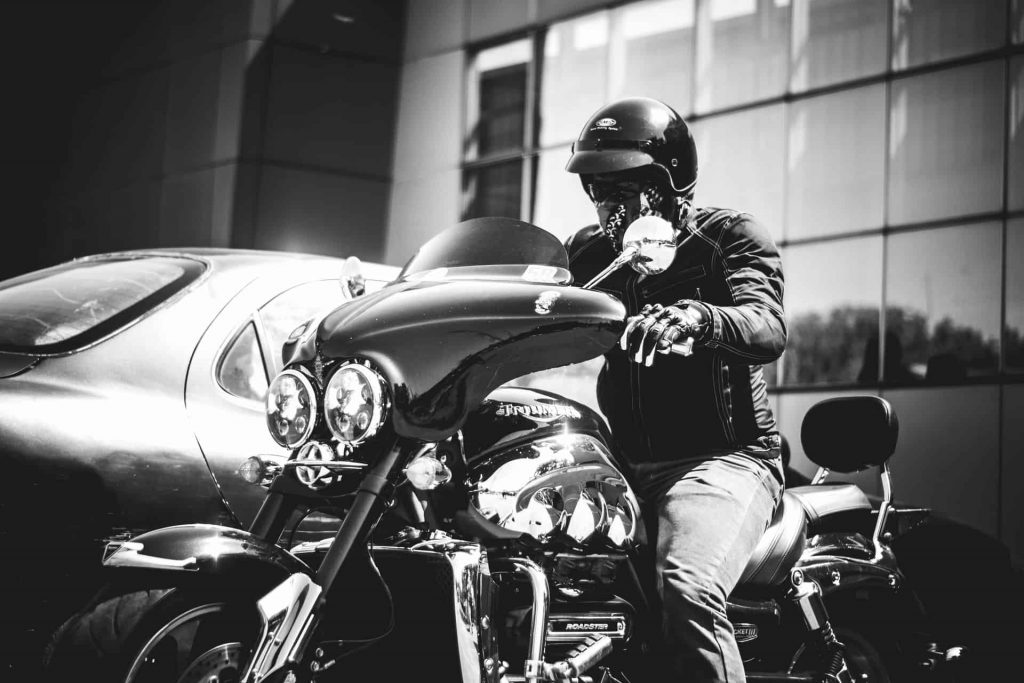 r/motorcycles – Riding with full face helmet and glasses