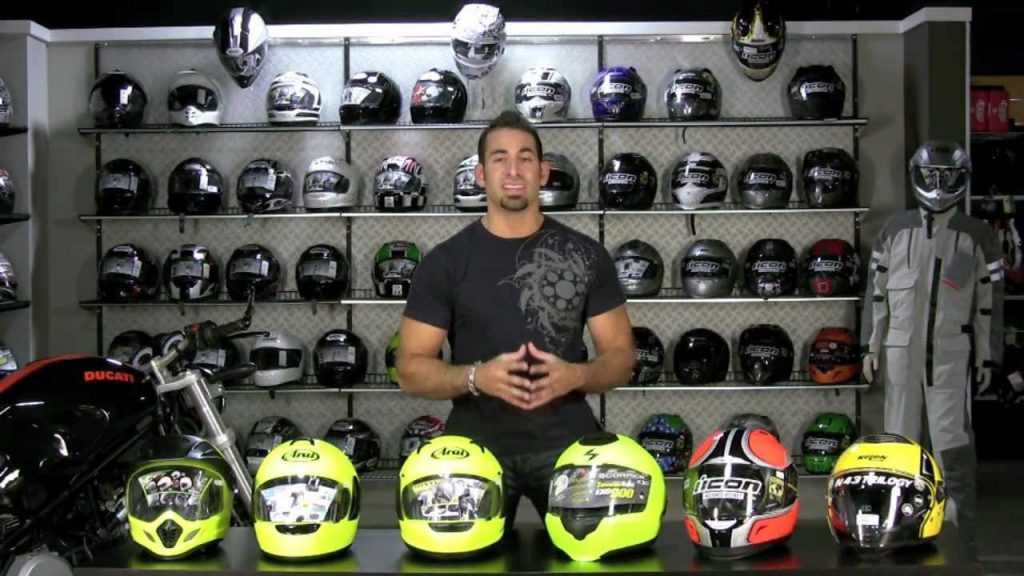 How to Carry a Spare Helmet on a Motorcycle? – Helmet Friki