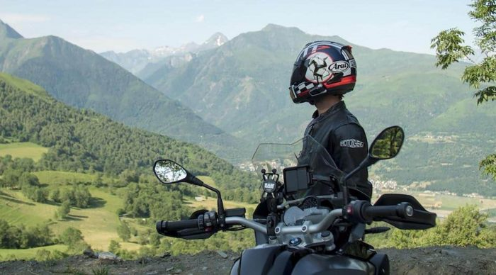 how to reduce wind noise in a motorcycle helmet